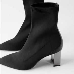 ❤️NWOT Zara Metallic Heel Stretch AnkleBoots❤️